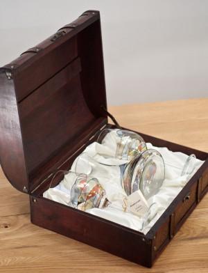 http://aujoliverre.com/219-thickbox_default/wooden-box-2-wine-glasses-no-2-and-associated-decanter-la-fleur.jpg